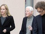 Familie überweist Millionen: Schlecker bedauert Insolvenz