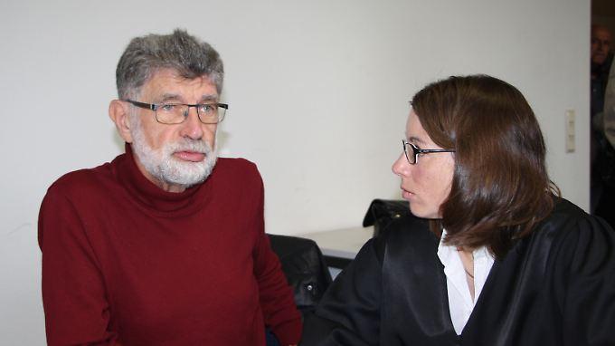Norbert Kuß mit seiner Anwältin Daniela Lordt im Oberlandesgericht in Saarbrücken.