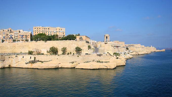 Blick auf die Stadt und den Hafen La Valletta auf Malta.