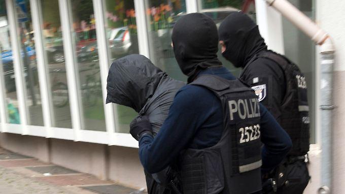 Im Juli hatte die Polizei ein mögliches Fluchtfahrzeug beschlagnahmt und Verdächtige festgenommen.