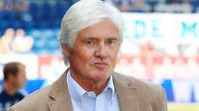 Der ehemalige Fußballspieler und -trainer Friedel Rausch ist im Alter von 77 Jahren gestorben.