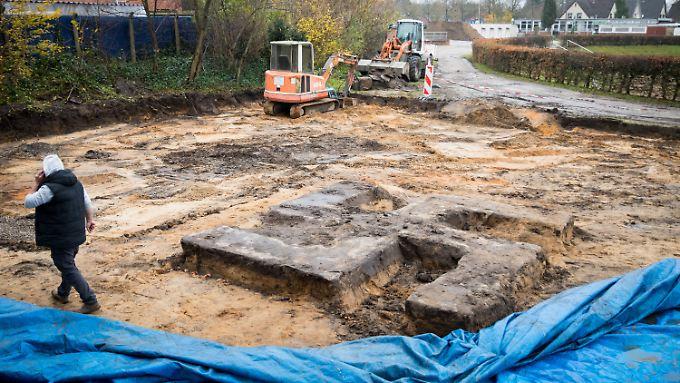 Die Bauarbeiten im Hein-Kling-Stadion werden nun wohl etwas länger dauern.