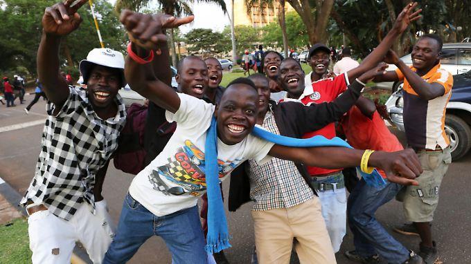 Die Freude über Mugabes Rücktritt ist groß, die Zukunft des Landes ungewiss.