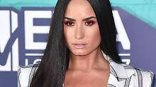 Wer ist denn der Glückliche?: Demi Lovato verzückt in Hochzeitsrobe