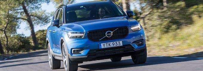 In der Front sieht der Volvo XC40 seinen Brüdern XC60 und XC90 schon ähnlich.