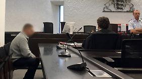 36-jähriger Feuerwehrmann muss sich vor dem Landgericht Stuttgart wegen versuchten Mordes verantworten.