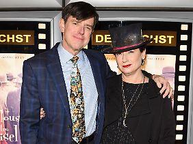 """Dan Palladino und Amy Sherman-Palladino haben schon erfolgreich an """"Gilmore Girls"""" gearbeitet. Jetzt folgt """"Mrs. Maisel""""."""