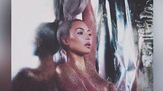 Promi-News des Tages: Kim Kardashian macht Werbung im Glitzer-Outfit