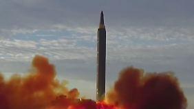 Signal Richtung China?: Nordkorea feuert bisher stärkste Rakete ab