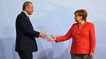 Flüchtlingsdeal mit Ankara: Merkel verspricht Erdogan schnelles EU-Geld