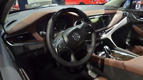 Auch das Innenleben des Buick Enclave erinnert stark an Opel.