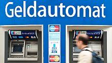 Keine Fremdabhebegebühren mehr?: Weniger Konkurrenz am Geldautomaten