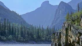 Atemberaubende Natur im Mackenzie Mountains Nahanni National Park.