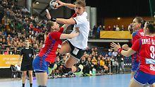 """Handball-Krimi bei der Heim-WM: DHB-""""Ladies"""" kämpfen sich ins Achtelfinale"""