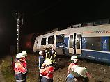 Mehrere Verletzte in NRW: Personenzug kracht auf Güterzug