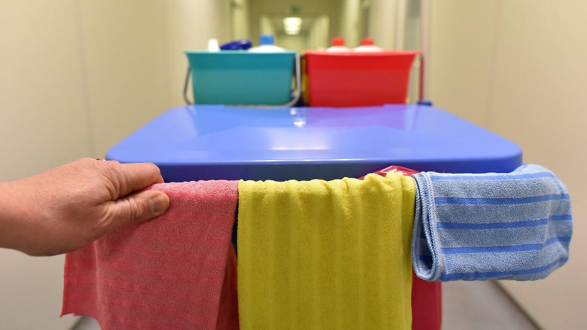 arbeitgeber tricksen millionen besch ftigte verdienen weniger als mindestlohn n. Black Bedroom Furniture Sets. Home Design Ideas