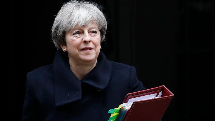 Das vorliegende Schriftstück des Europäischen Parlaments dokumentiert Zusagen von Premierministerin Theresa May.