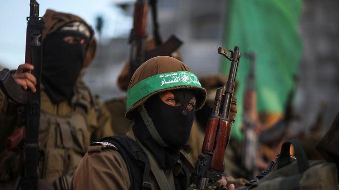 Mitglieder der Kassam-Brigade, dem bewaffneten Arm der Hamas, bei einer Demonstration in Gaza.