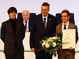 """""""Weltfußballer des Jahrzehnts"""": DFB applaudiert Lahm in den Fußball-Olymp"""