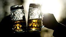 Innerhalb einer Stunde: Briten trinken drei Bier in drei Ländern