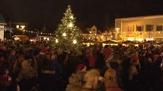 Glänzende Kinderaugen in Reykjavík: Hamburg spendiert Island einen Weihnachtsbaum