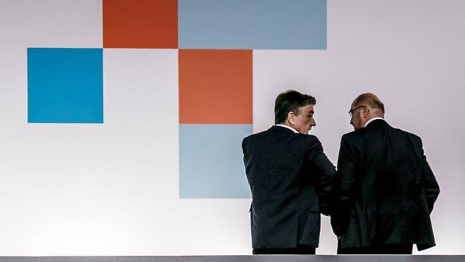 Groschek (l.) und Schulz beim SPD-Parteitag am 7. Dezember.