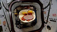 """Über das Festmenü ist noch nichts bekannt. Dieses """"Sandwich"""" flog am 22. November 2017 durch die Raumstation."""