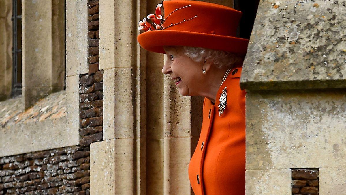 weihnachten mit der queen royals feiern besonderen gottesdienst n. Black Bedroom Furniture Sets. Home Design Ideas