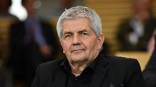 Mut der Rentner und Enkel: Interesse an Stasi-Akten ist weiter hoch