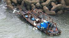 Vier Leichen an Bord: Geisterschiff kentert vor Japans Küste