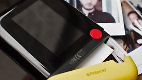 Eine gelbe Kappe schützt das Fotopapier.