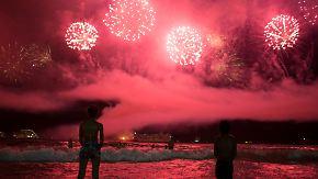 Feuerwerkspektakel plus Romantik: So feiern Menschen weltweit den Jahreswechsel