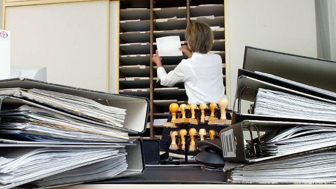 Allein in der Kommunalverwaltung fehlen laut dbb fast 138.000 Mitarbeiter.