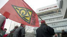 Tarifstreit bei den Autobauern: Metaller streiken zuerst bei Porsche