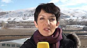 """Kavita Sharma zu den Protesten im Iran: """"Regierung macht aktiv Jagd auf Demonstranten"""""""