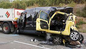 Ein Auffahrunfall auf der Autobahn. Auch hier war der Fahrer des Kleintransporters nicht der Verursacher.