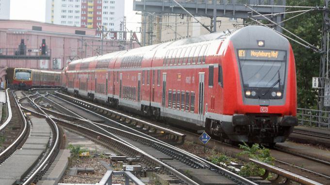 Fahren singend los: Loks der Baureihe 182 sind überwiegend auf der Strecke zwischen Magdeburg und Cottbus unterwegs.