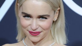 Promi-News des Tages: Brad Pitt bietet 120.000 Dollar für Date mit Emilia Clarke