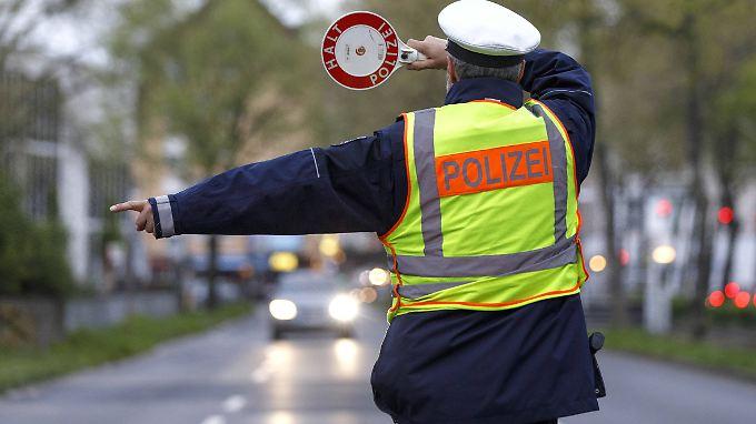 An einer solchen Polizeikontrolle hatte der 19-jährige Autofahrer anscheinend kein Interesse.
