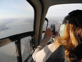 Für Touristen ist der Flug ein tolles Erlebnis, für die Anwohner weniger.