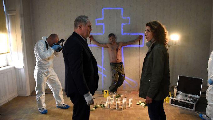 Das Werk eines Serienmörders? Die Kommissare Fellner (Adele Neuhauser, r.) und Eisner (Harald Krassnitzer) haben da so ihre Zweifel.