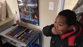 Kampf gegen Obdachlosigkeit in den USA: Achtjähriger erhält erstes Bett seines Lebens