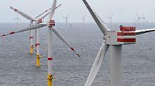 Windpark vor Spiekeroog: Bis zum Halbjahr 2017 waren 1055 Offshore-Windräder am Netz.
