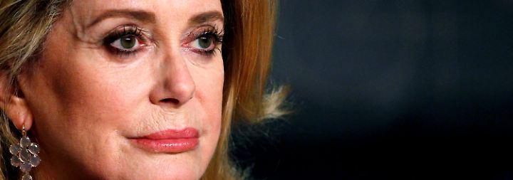 Falsch verstandener Feminismus?: Deneuve bietet #Metoo-Opfern Entschuldigung an