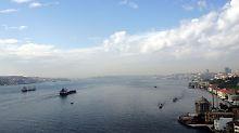 Schifffahrtsweg Bosporus: Öl aus der Kaukasus-Region fährt hier auf dem Weg Richtung Mittelmeer.