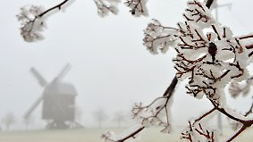 Frost im Osten, wärmerer Westen: Erste Gewitter zucken an der Nordsee