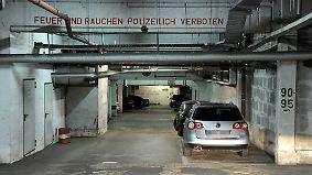 Zu dunkel, zu eng, zu steil: Parkhäuser schneiden schlecht ab