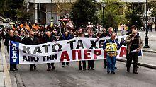 Ausschreitungen in Athen: Griechenland schränkt Streikrecht ein