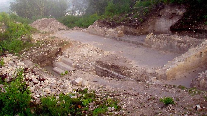 Ausgrabungsstätte am nördlichen Rand des Grand Plaza in Teposcolula-Yucundaa.