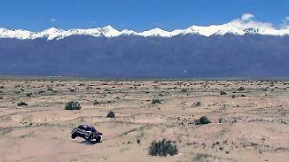 Klare Führung trotz Crash-Vorwurf: Peugeot macht sich bei Rallye Dakar aus dem Staub